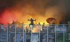 Marseļas 'Olympique' fani ar bumbas sprādzieniem 'brīdina' kluba vadību