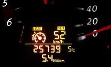 Saeima atbalsta līdz 1000 eiro sodu par auto odometra rādījuma sagrozīšanu