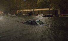 Vētrā 'Sendija' vismaz ap 100 bojāgājušo; Ņujorkā - 10