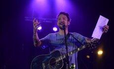 Tūkstošiem cilvēku sagaida Tērnera uzstāšanos un apmeklē 'Fono Cēsis' otrās dienas koncertus