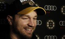 Riks Nešs guvis pirmos vārtus Bostonas 'Bruins' labā