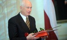 Mūžībā aizgājis ilggadējais Zvērinātu advokātu padomes priekšsēdētājs Aivars Niedre