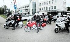 Foto: 26 motociklisti no Latvijas startē teju 6000 km garā braucienā