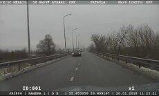 Video: Daugavpilī BMW traucas ar 120 km/h atļauto 50 km/h vietā