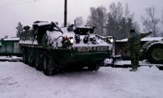 Video: Garkalnē ierodas ASV kājnieku kaujas mašīnas 'Stryker'