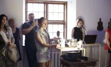 Foto: Izstādes 'Vilna un zīds. Jaunā erotika' atklāšana