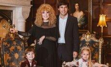 Galkins gadu mijā pārsteidz ar skaistu ģimenes foto