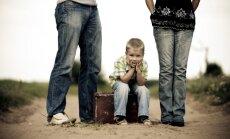 Vientuļos vecākus vai šķirteņus aicina uz bezmaksas nodarbību ciklu par bērnu audzināšanas jautājumiem