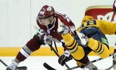 Rīgas 'Dinamo' nespēj pieveikt KHL finālistus 'Atlant'