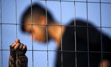 Latvijā ar 'Facebook' sludinājuma palīdzību meklē audžuvecākus 16 gadus vecam bēglim