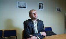 ASV tiesa Čalovskim piespriež ieslodzījumu, kas vienāds ar apcietinājumā pavadīto laiku
