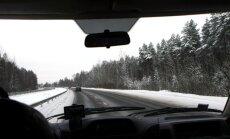 Ceļā uz Rēzekni sniega dēļ apgrūtināta satiksme