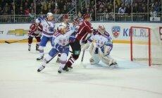 Rīgas 'Dinamo' skaistā cīņā zaudē SKA un pārtrauc uzvaru sēriju