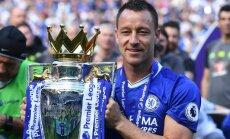 Bijušais Anglijas izlases un 'Chelsea' kapteinis Džons Terijs atvadās no futbola
