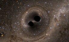 Viļņošanās laiktelpā: Tagad mēs zinām, ka Visums mums čukst