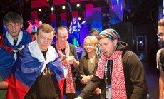 Intara Busuļa vadītā Latvijas līdzjutēju komanda Sočos sīvā cīņā piekāpjas Krievijas faniem