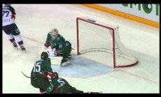 Video: 'Slovan' uzbrucējs apspēlē četrus 'Ak Bars' spēlētājus un gūst skaistus vārtus