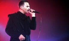 Duets 'Hurts' izdod jaunu singlu un dramatisma piesātinātu video