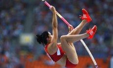 Olimpiskā čempione kārtslēkšanā Sūra uzstāda jaunu pasaules rekordu telpās