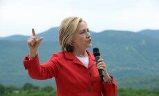 """Клинтон призвала к """"более умному"""" взаимодействию с Путиным"""