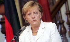 Vācija un Krievija vēlas izvairīties no vardarbības saasināšanās Ukrainā, apgalvo Merkele
