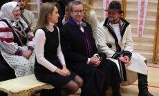Foto: Ieva Ilvesa pavadījusi vīru pirmajā vizītē
