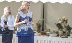 Foto: Ieva Ilvesa svinīgajā pieņemšanā apbur ar eleganci