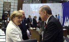 Меркель призвала Турцию преодолеть раскол в обществе
