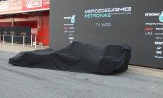 LIVE: F-1 Barselonas testi. 'Mercedes' prezentē jauno modeli.