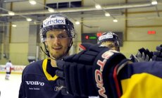 Foto: 'Kurbads' hokejisti sagrauj 'Zemgale/LLU'