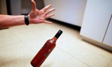 Bauskā veikli darboņi nakts laikā piedāvā iznomāt alkoholu