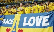 Video: Zviedru un īru futbola fani kopīgi nodzied ABBA dziesmu