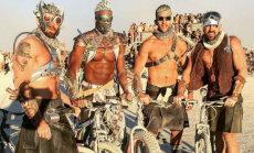 Krāšņi foto: Kas notiek spocīgajā festivālā tuksneša vidū
