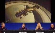Sadegot Saturna atmosfērā 20 gadus ilgo misiju beidz zonde 'Cassini'