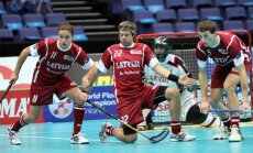 Latvijas florbola izlase uzvar Slovākiju un spēlēs par piekto vietu pasaules čempionātā