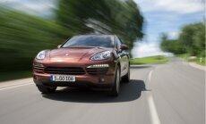 Plāno pacelt transportlīdzekļa nodevu luksusa auto ar lielu izmešu daudzumu