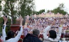 Foto: Jēkabpili saviļņo Dziesmusvētku noskaņas