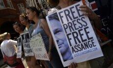 Demonstrēs dokumentālo filmu 'Meklējot taisnību. Džuliana Asanža aizstāvība'