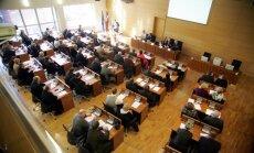 Valdība atbalsta deputātu skaita mazināšanu pašvaldībās