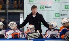 'Oilers' un 'Jets' veterānu spēle - Greckis un Mesjē pret Selanni un Haverčaku