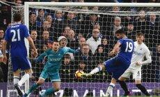 'Chelsea' futbolisti ar uzvaru pār Svonsī klubu sper vēl vienu soli pretī Anglijas premjerlīgas titulam