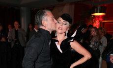 Lady Gaga apstiprina, ka ir saderinājusies ar slavenību aģentu