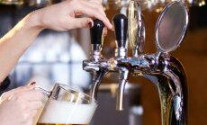 Nodokli alkoholam varētu palielināt straujāk, vēsta laikraksts