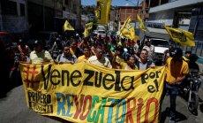 Жители Венесуэлы начали питаться на помойках супермаркетов