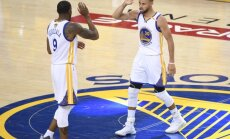 Golden State Warriors Stephen Curry with Andre Iguodala