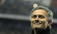 Mourinju vaino tiesnesi 'Real' zaudējumā 'Barcelona' komandai