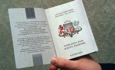Līdz ar e-ID karšu ieviešanu samazinās nodevu par pases izsniegšanu