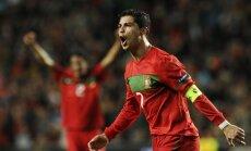 Madrides 'Real' ieceļ Ronaldu leģendas godā