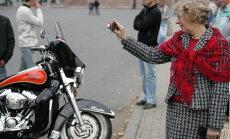 Autoskolas atbalsta stingrāku kārtību motociklista tiesību iegūšanai