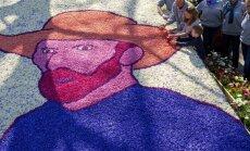 Ziedu gleznas, 'paklāji' un krāšņums vilina tūkstošiem tūristu Keukenhofas dārzā Holandē